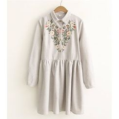 Citree - Flower Embroidered Shirtdress