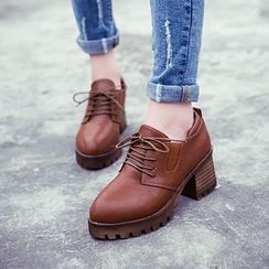 Charming Kicks - 粗跟繫帶鞋