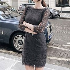 Queen Bee - Long-Sleeve Lace Dress