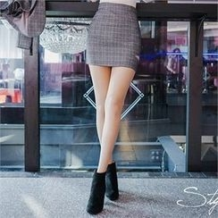 Babi n Pumkin - Cutaway-Detail Glen-Check Mini Skirt