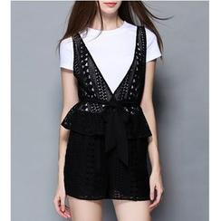 Rosesong - Set: Short-Sleeve T-Shirt + Lace Vest + Shorts