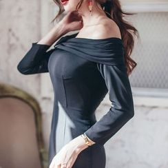 Aurora - Off-Shoulder Sheath Dress