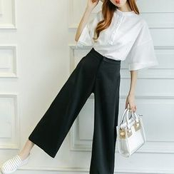 Athena - Set: Elbow-Sleeve Shirt + Cropped Pants