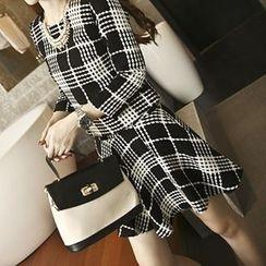 Emeline - Set: 3/4-Sleeve Check Blouse + Check Skirt