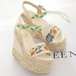 Mancienne - Espadrille Embroidered Wedge Sandals