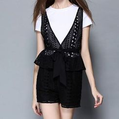 Merald - Set: Short-Sleeve T-Shirt + Lace Vest + Shorts