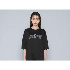 Envy Look - Short-Sleeve Lettering Long T-Shirt
