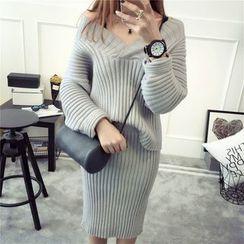 Qimi - Set: Rib-Knit V-Neck Sweater + Midi Knit Skirt