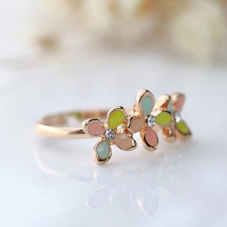 Cuteberry - Rhinestone Flower-Accent Ring
