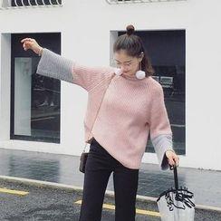 EKOOL - Mock-Neck Paneled Sweater