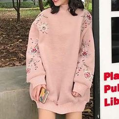 Champi - Floral Embroidered Mock Neck Oversized Pullover