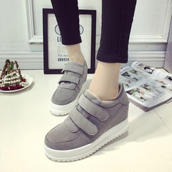 Wello - Velcro Platform Sneakers