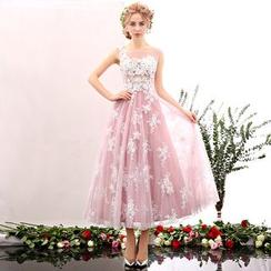 Coeur Wedding - Lace Appliqué Sleeveless Midi Prom Dress