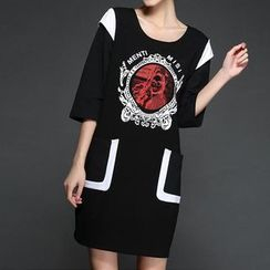 Mythmax - 3/4-Sleeve Paneled Printed Dress