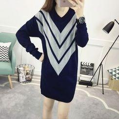 Soswift - 孕妇山形纹V领针织连衣裙