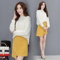 Romantica - Set: Long-Sleeve Knit Top + Plain Skirt