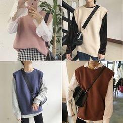 MATO - Crewneck Knit Vest