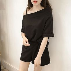 Little V - Set: Off Shoulder Elbow sleeve T-Shirt + Band Waist Shorts