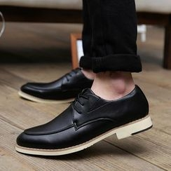 Main Road - Faux Leather Oxfords