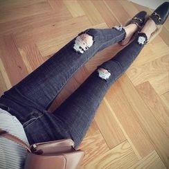 沐乃衣 - 做舊窄身牛仔褲