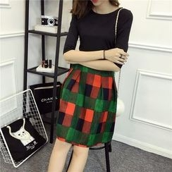 Eva Fashion - Set: Plain Elbow Sleeve T-Shirt + Plaid A-Line Mini Skirt