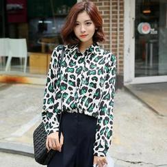 Envy Look - Leopard-Print Chiffon Blouse