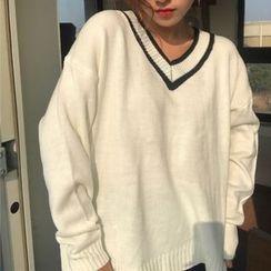 QZ Lady - V-Neck Sweater