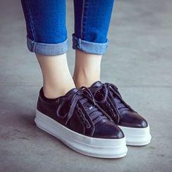 Mancienne - Platform Lace-Up Sneakers