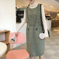Eva Fashion - Sleeveless Knit Dress