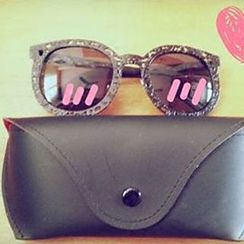 FaceFrame - Faux Leather Sunglasses Case