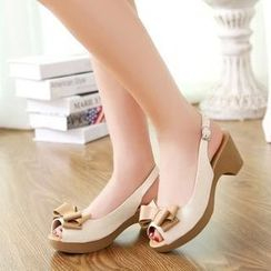 Pretty in Boots - Bow Sandals
