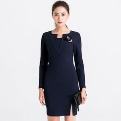 Eleganza - Long-Sleeve V-Neck Slit Sheath Dress