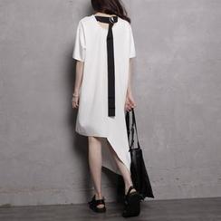Sonne - Short-Sleeved Buckled-Back Asymmetric T-Shirt Dress