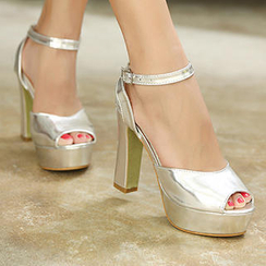 Mancienne - Metallic Platform Heel Sandals