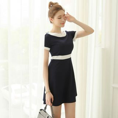 Bornite - Two-Tone Short-Sleeve A-Line Dress
