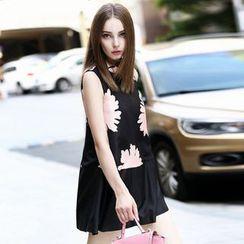 Queen Mulock - Sleeveless Floral Silk Tunic