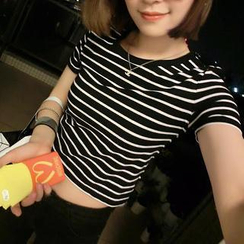 QZ Lady - Striped Cropped T-Shirt