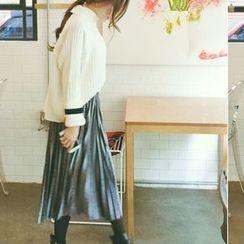 Cherryville - Velvet Pleated Long Skirt