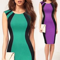 LIVA GIRL - Sleeveless Color Block Sheath Dress
