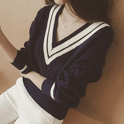 Eva Fashion - Cable-Knit V-Neck Sweater