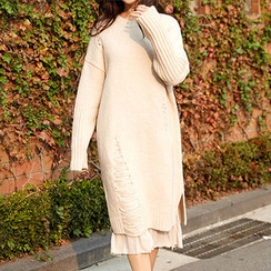 chuu - Drop-Shoulder Distressed Knit Dress
