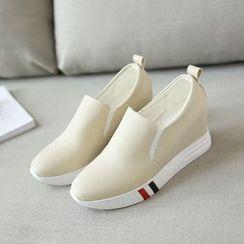 Cinnabelle - 内增高轻便鞋