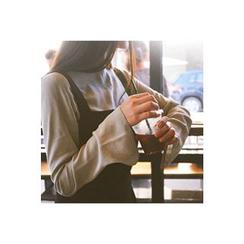 CHERRYKOKO - Keyhole-Back Slit-Detail Top