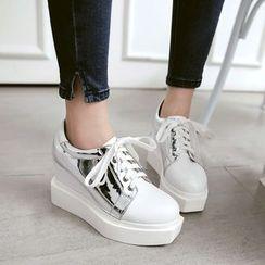 JY Shoes - Metallic Panel Platform Sneakers