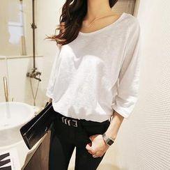 NANING9 - 3/4-Sleeve Raglan-Sleeve T-Shirt