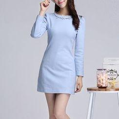 AiLiTi - Embroidered Shift Dress