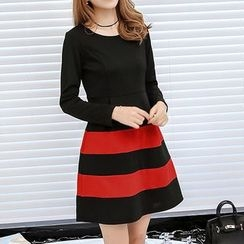 Q.C.T - Stripe Long-Sleeve Dress