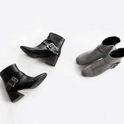 NIPONJJUYA - Chunky-Heel Buckled Ankle Boots