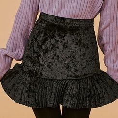chuu - Pleat-Hem Velvet Mini Skirt