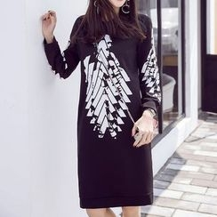 Queen Bee - Printed Pullover Dress